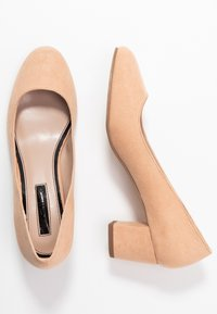 Miss Selfridge - CLEMENTINE ROUND TOE COURT - Pumps - blush/beige - 3