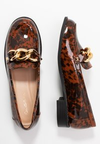 Miss Selfridge - PIPPA CHAIN CHUNKY LOAFER - Instappers - brown - 3