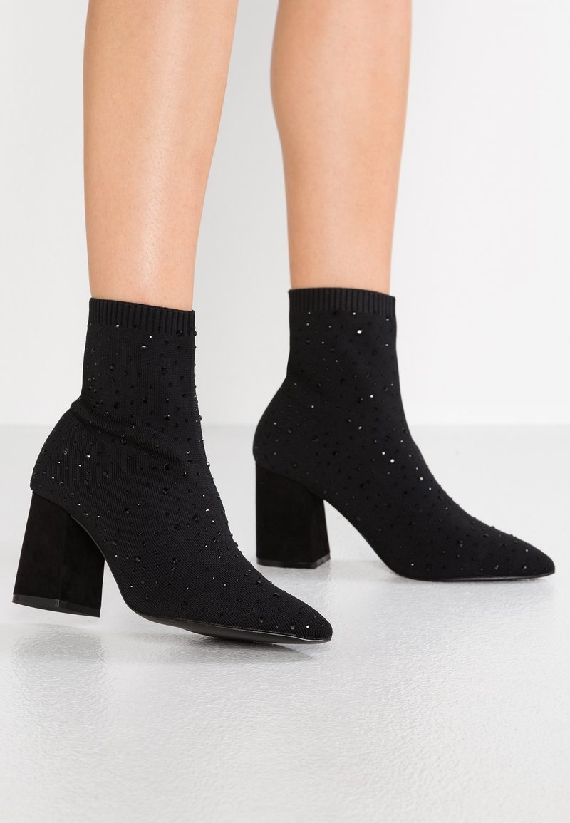 Miss Selfridge - POINT EMBELLISHED BLOCK  - Classic ankle boots - black