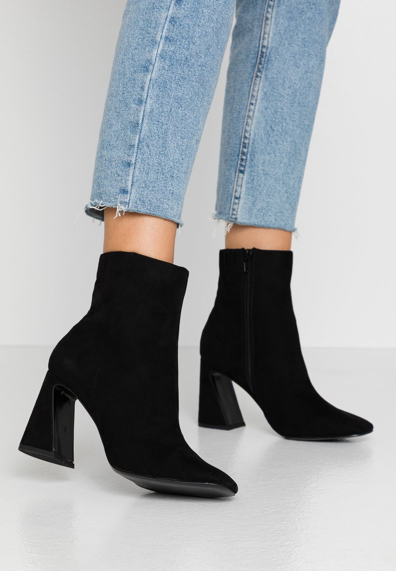 Miss Selfridge - FLARE BASIC BOOT - Højhælede støvletter - black