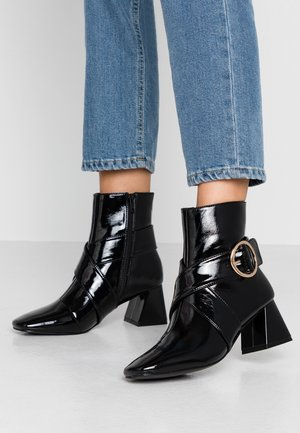 BABE TOE - Classic ankle boots - black