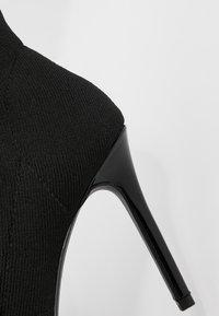 Miss Selfridge - PEEP - Kotníková obuv na vysokém podpatku - black - 2