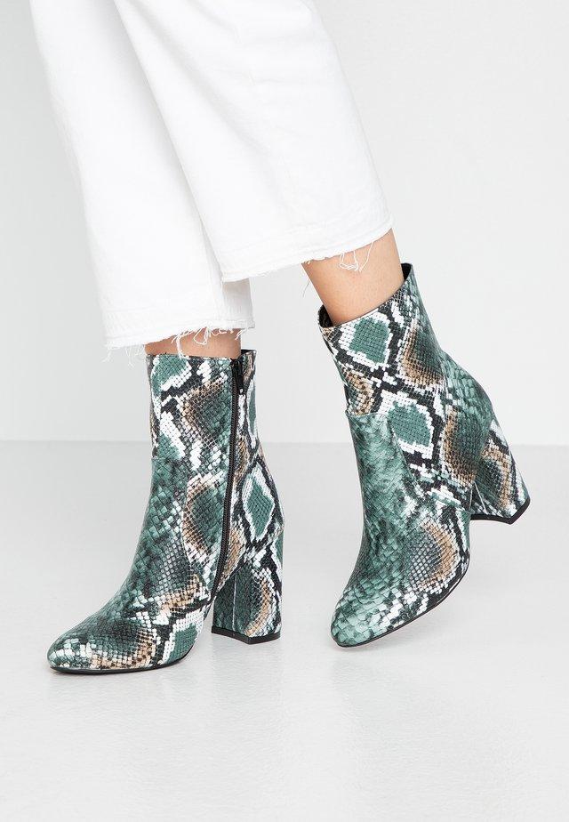 BAMBOO PLAIN HIGH SHAFT BOOT - High heeled ankle boots - green