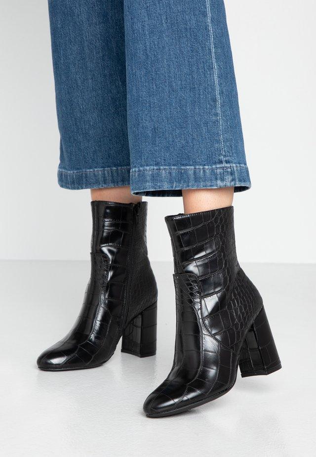 BAMBOO PLAIN HIGH SHAFT BOOT - Højhælede støvletter - black