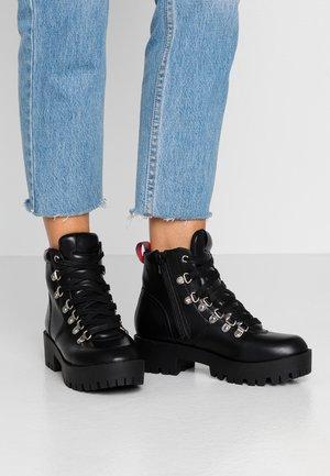 BELLA - Ankelstøvler - black