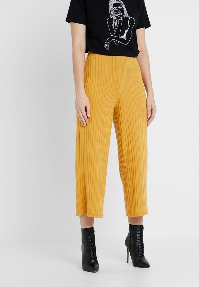 WIDE LEG TROUSER - Trousers - mustard