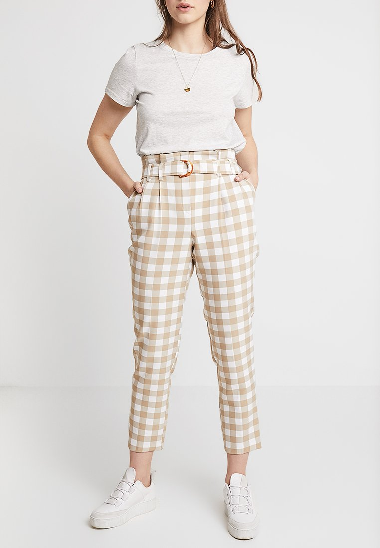 Miss Selfridge - NOVA PAPERBAG CHECK - Stoffhose - beige