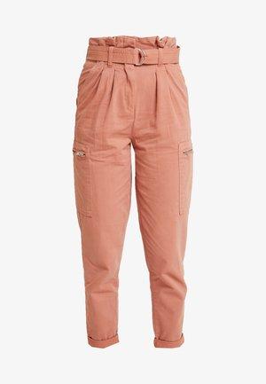 NEW SIDE POCKET TROUSER - Kalhoty - blush