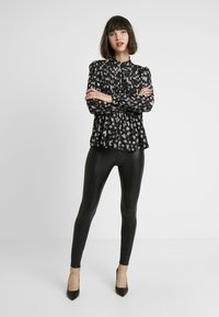 Miss Selfridge - FRONT SEAM TROUSER - Trousers - black - 1