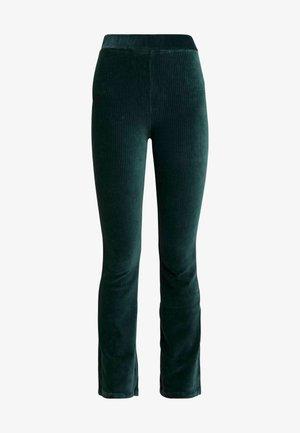 KICKFLARE TROUSERS - Kalhoty - emerald