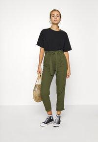 Miss Selfridge - CARGO PAPERBAG - Trousers - khaki - 1