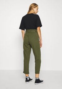 Miss Selfridge - CARGO PAPERBAG - Trousers - khaki - 2