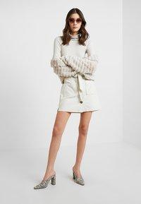 Miss Selfridge - BUTTON THRU SKIRT - Áčková sukně - cream - 1