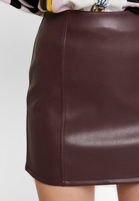 Miss Selfridge - SKIRT - A-line skirt - burgundy - 5