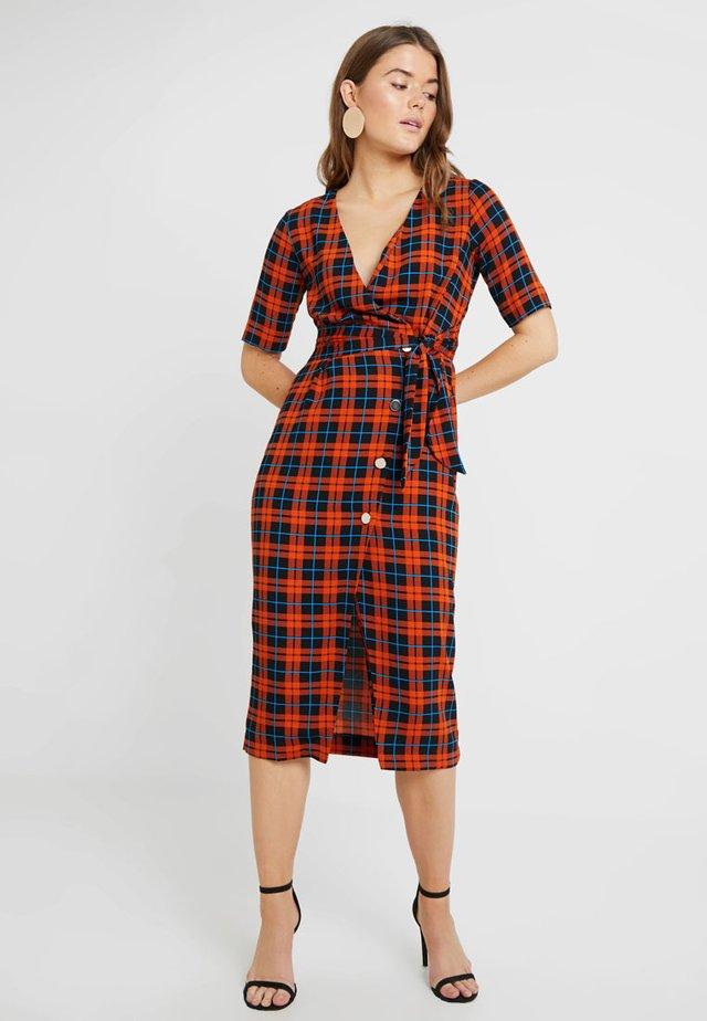 WINDOW PANE CHECK MIDI DRESS - Day dress - rust