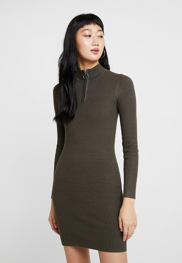 Miss Selfridge - ZIP FUNNEL NECK DRESS - Strickkleid - khaki