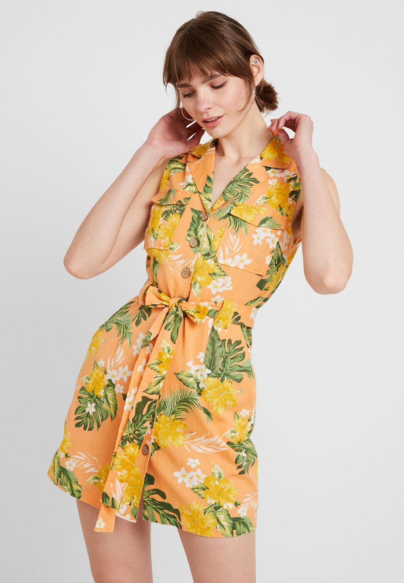 Miss Selfridge - TROPICAL PRINT UTILITY DRESS - Skjortekjole - coral