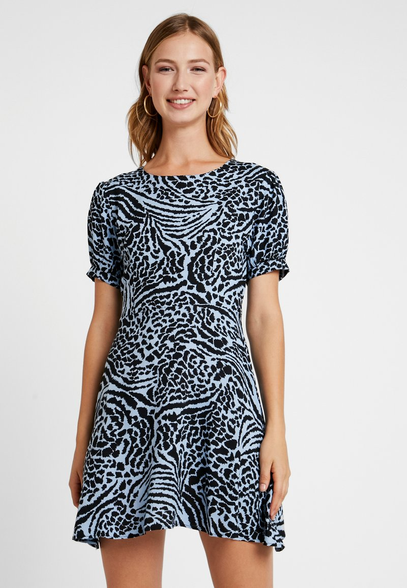 Miss Selfridge - ANIMAL PRINT TEA DRESS - Vestito estivo - blue