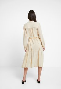 Miss Selfridge - TIERED DOBBY DRESS - Skjortekjole - nude - 3