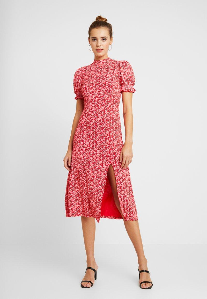 Miss Selfridge - MIDI FLORAL DRESS - Jerseykleid - red