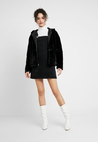 Miss Selfridge - PINNY DRESS - Denimové šaty - black - 2