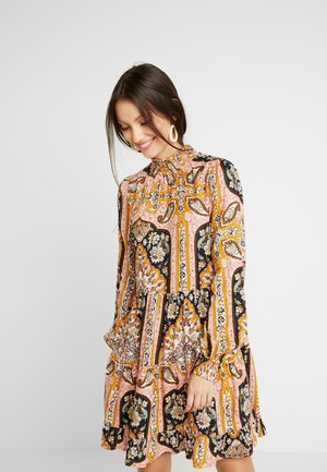 SHEERED TIERED PAISLEY DRESS - Day dress - pink