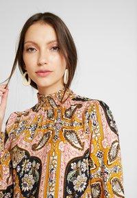 Miss Selfridge - SHEERED TIERED PAISLEY DRESS - Hverdagskjoler - pink - 5