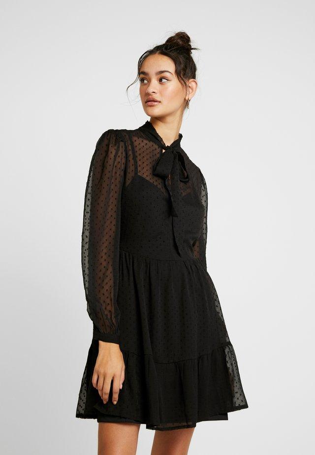 FLOCKED SMOCK MINI DRESS - Denní šaty - black
