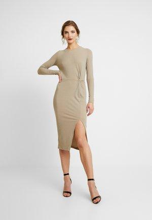 COSY KNOT FRONT MIDI DRESS - Shift dress - camel