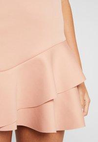 Miss Selfridge - SCUBA PEPLUM DRESS - Robe d'été - nude - 5