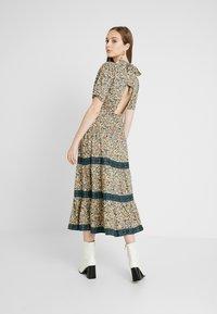 Miss Selfridge - CREAM FLORAL TIERED MIDI DRESS - Maxi dress - cream - 3