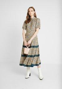 Miss Selfridge - CREAM FLORAL TIERED MIDI DRESS - Maxi dress - cream - 2