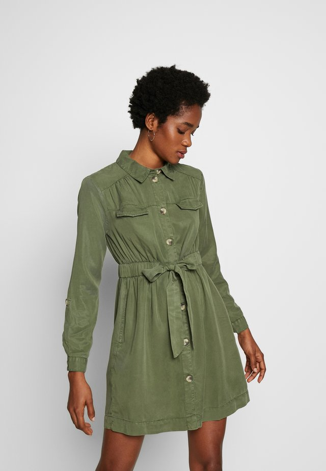 DRAWSTRING SHIRT DRESS - Vestido camisero - khaki