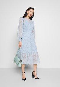 Miss Selfridge - DITSY DOBBY SMOCK MIDI DRESS - Day dress - ditsy - 1