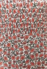 Miss Selfridge - SHIRRED PUFF SLEEVE MIDI DRESS - Day dress - pink - 2
