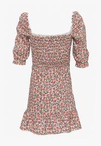 Miss Selfridge - SHIRRED PUFF SLEEVE MIDI DRESS - Day dress - pink - 1