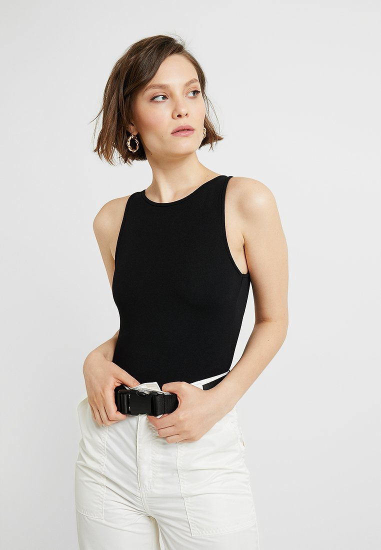 Miss Selfridge - SPORTY CUT OUT BACK - Top - black