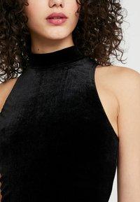 Miss Selfridge - FUNNEL NECK CROP - Top - black - 4