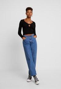 Miss Selfridge - TIE FRONT LETTUCE - Bluzka z długim rękawem - black - 1