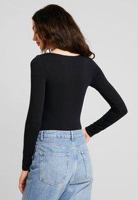 Miss Selfridge - SQUARE NECK - Maglietta a manica lunga - black - 2