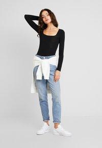 Miss Selfridge - SQUARE NECK - Maglietta a manica lunga - black - 1
