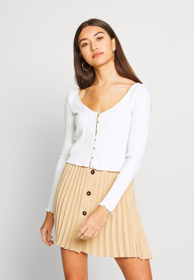 BUTTON TRHOUGH - Langærmede T-shirts - white