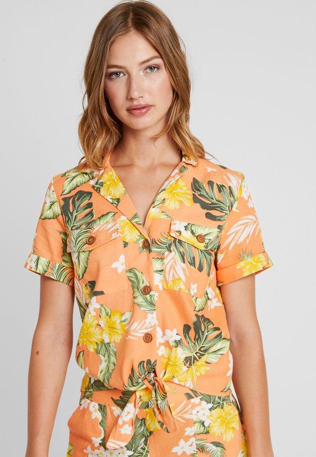 ALOHA RESORT SHORT SLEEVE - Button-down blouse - orange
