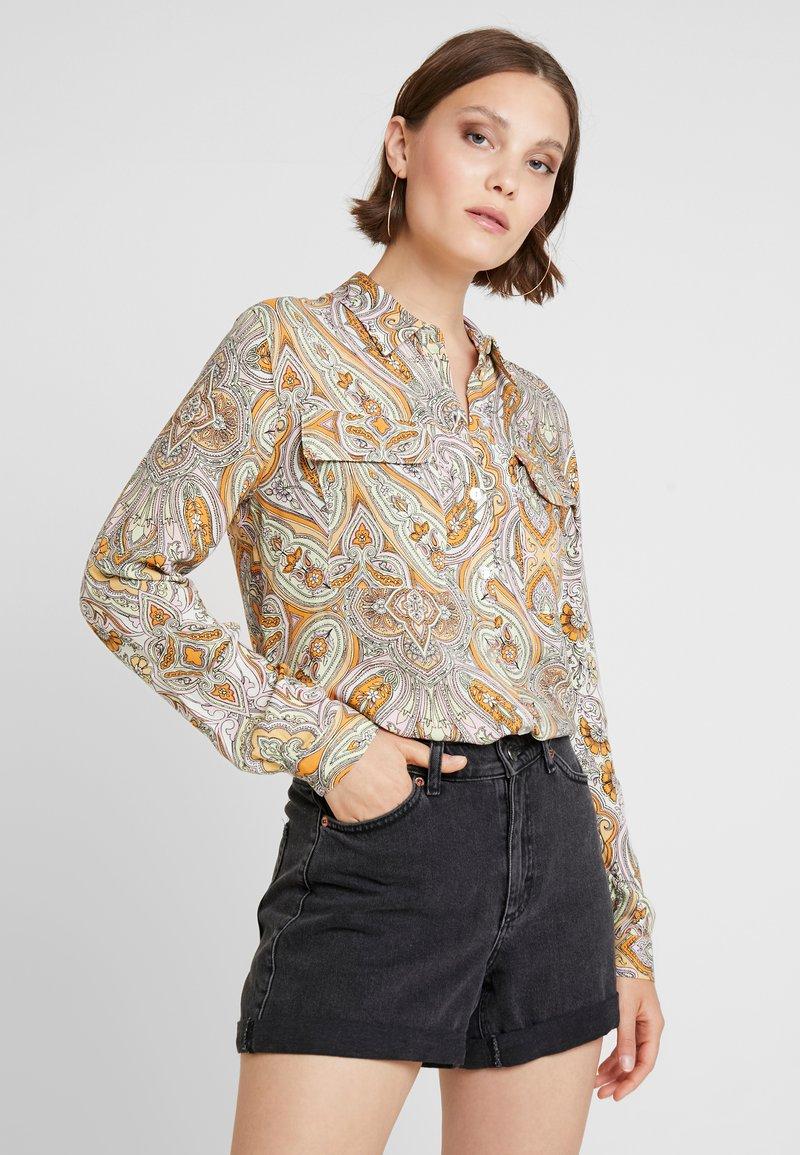 Miss Selfridge - PAISLEY GERI - Skjortebluser - orange
