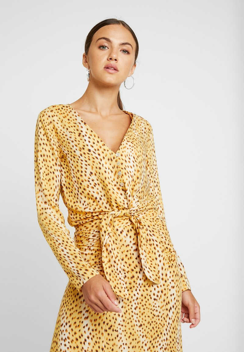 Miss Selfridge - CHEETAH TIE FRONT BLOUSE - Bluser - tan