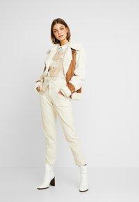Miss Selfridge - OVERSIZED BOXY CHECK - Skjorta - beige - 1