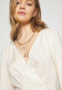 Miss Selfridge - CUTOUT TIE NECK BLOUSE - Bluser - cream - 4