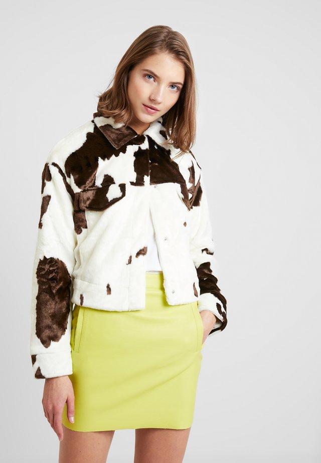 HAIRY ANIMAL TRUCKER - Winter jacket - brown