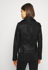Miss Selfridge - FRANKIE BIKER - Chaqueta de cuero sintético - black - 2
