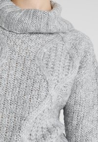 Miss Selfridge - CHUNKY CABLE ROLL NECK - Svetr - grey - 5